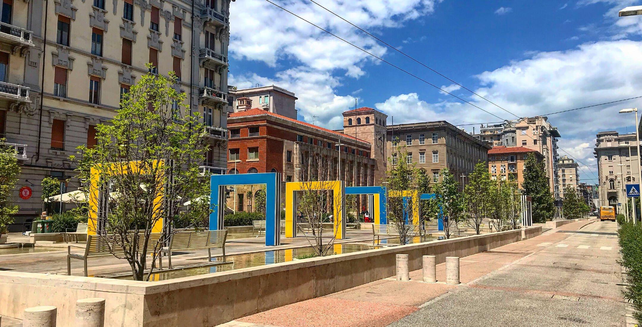 Archi di Buren (Piazza Verdi)