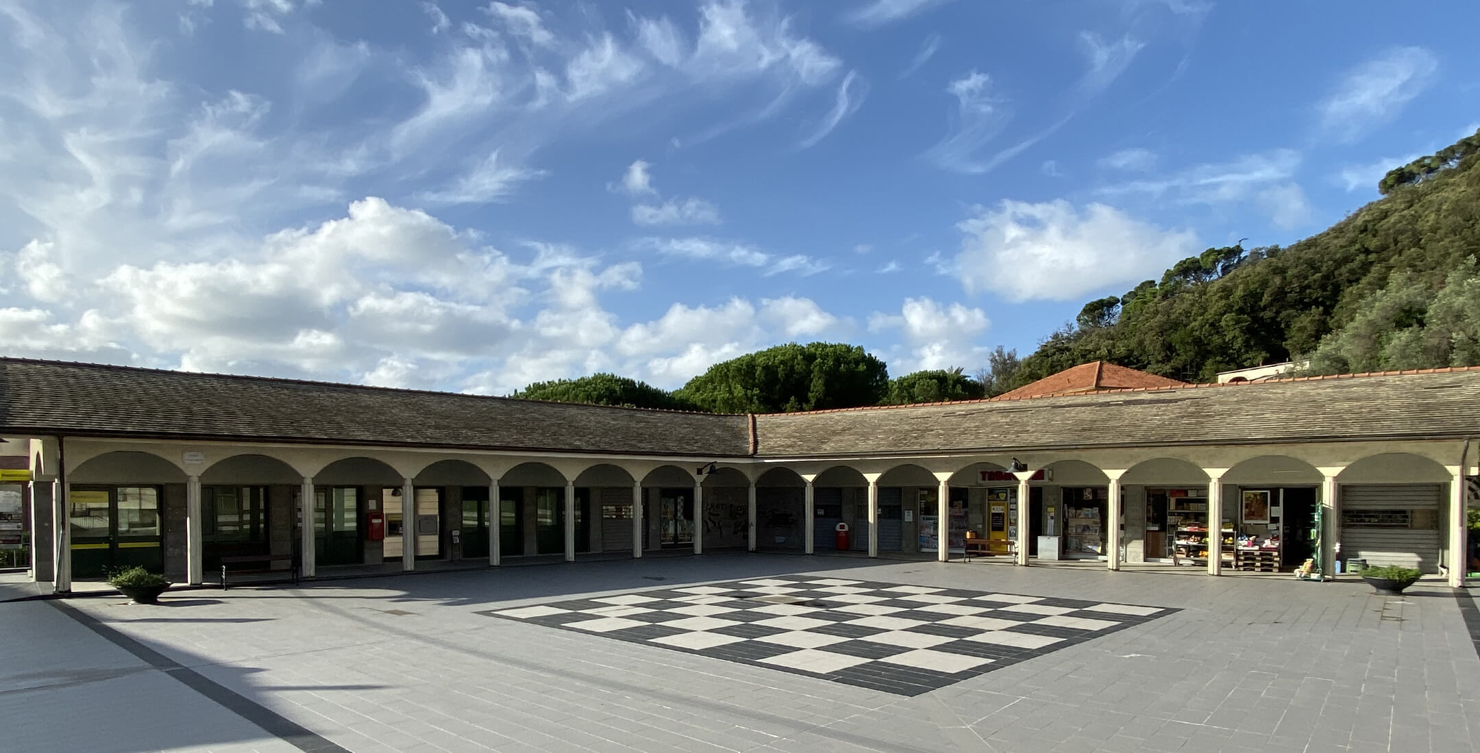 Piazza Italo Zinara (centro storico)